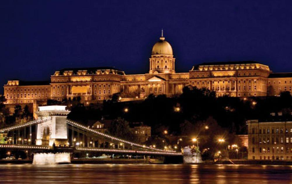 evening danube cruise